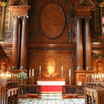 The altar - Hampton Court Palace